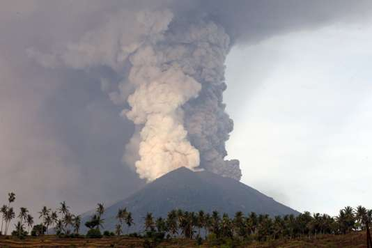 Éruption volcan Agung