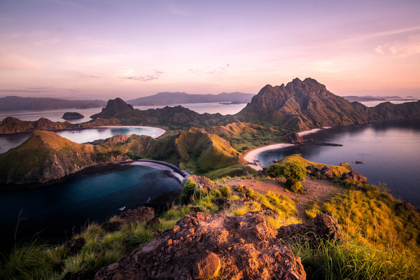 Île de Komodo, photo © Luke Wait via Shutterstock