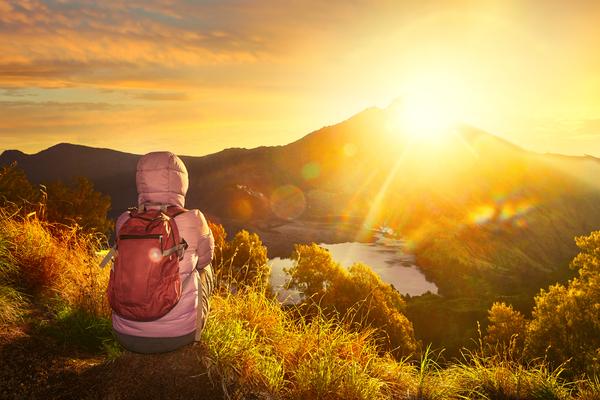 Lever de soleil au Mont Rinjani à Lombok, photo © by Soft_Light via Shutterstock